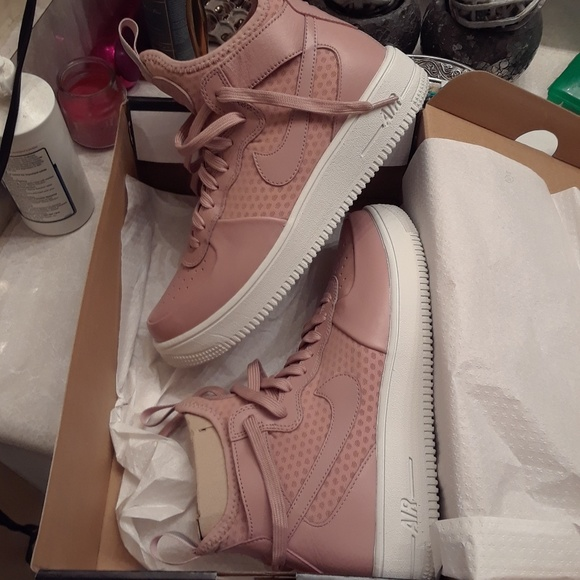 Size 95 Womens Mid Top Blush Pink Air